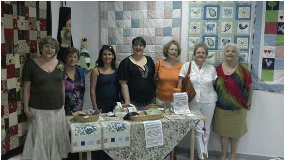 Foto de familia de la colaboración de Dña. Juana y sus amigas